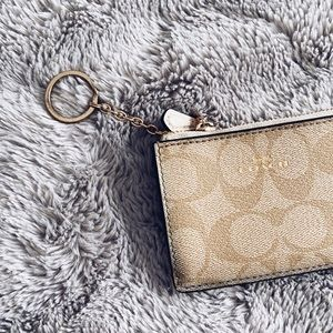 COACH MINI SKINNY ID CASE
